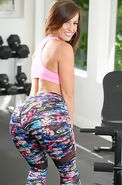 Kelsi Monroe - sexy work out