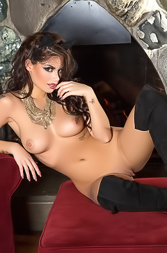 Cybergirl Shelly Lee in black boots