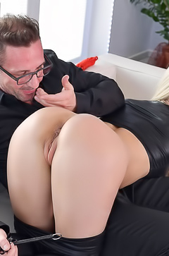 Nathaly Cherie Getting Spanked And Whipped