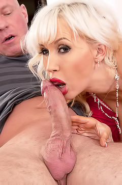 Big Boobs Mom Sandra Star Tasting Cock
