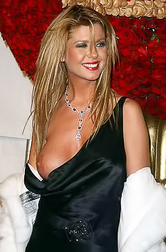 Tara Reid is the blonde to wish for